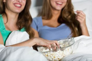 ערב בנות: 5 סרטים שכדאי לראות עם החברות